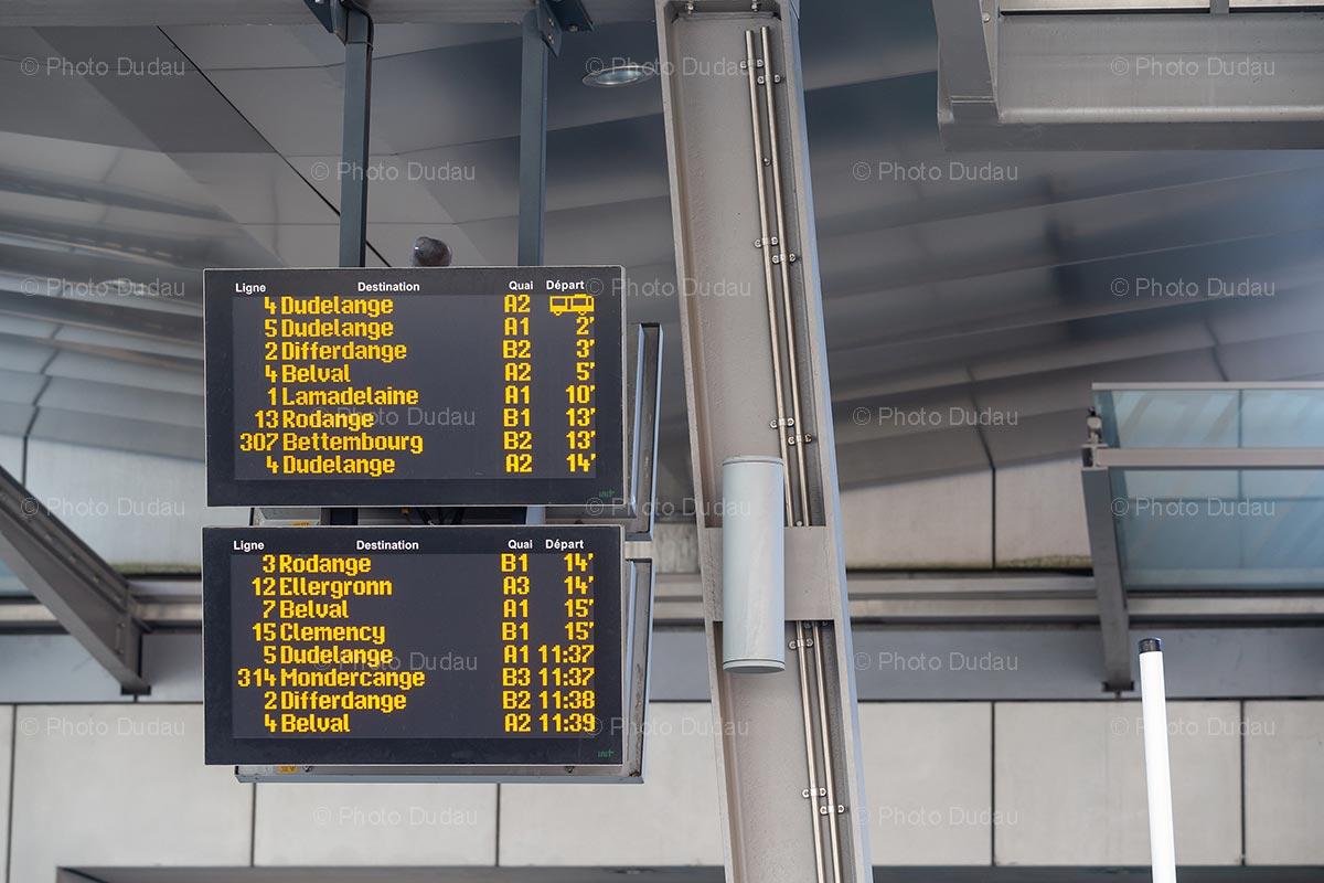 Bus departure board in Esch
