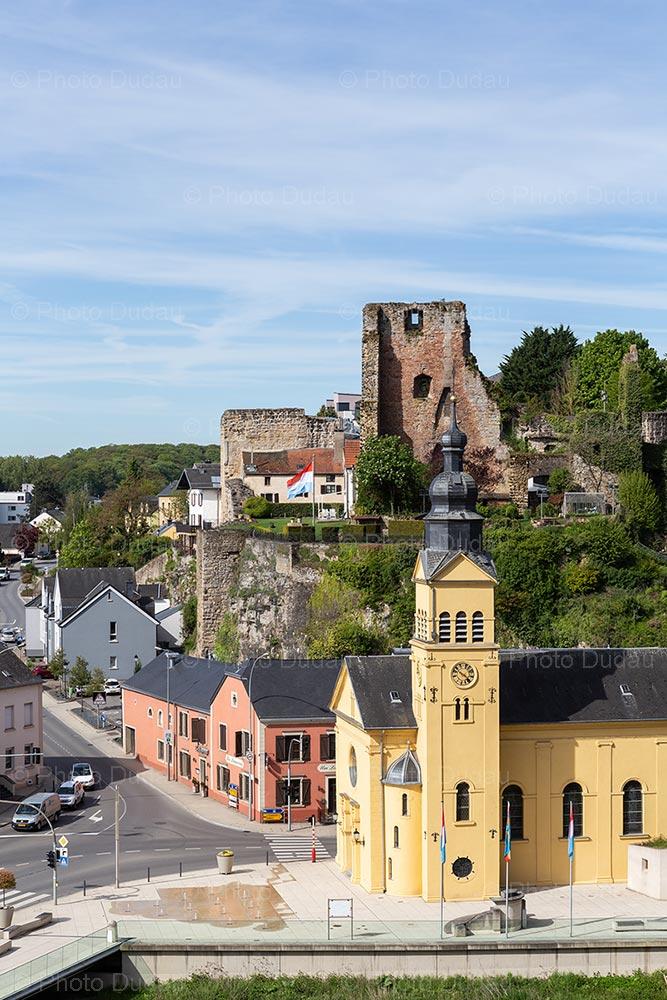 Hesperange eglise and castle