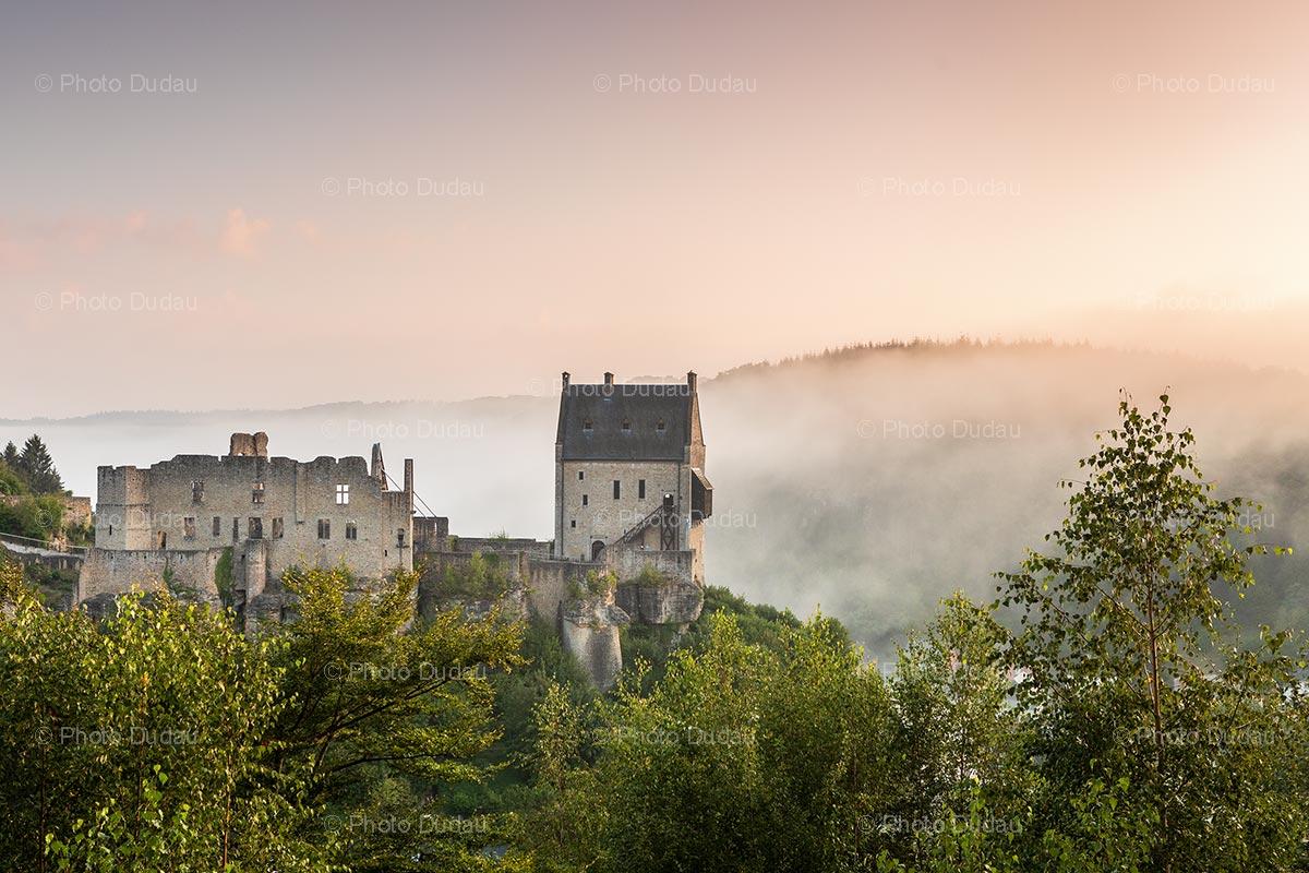 Foggy morning at Larochette Castle