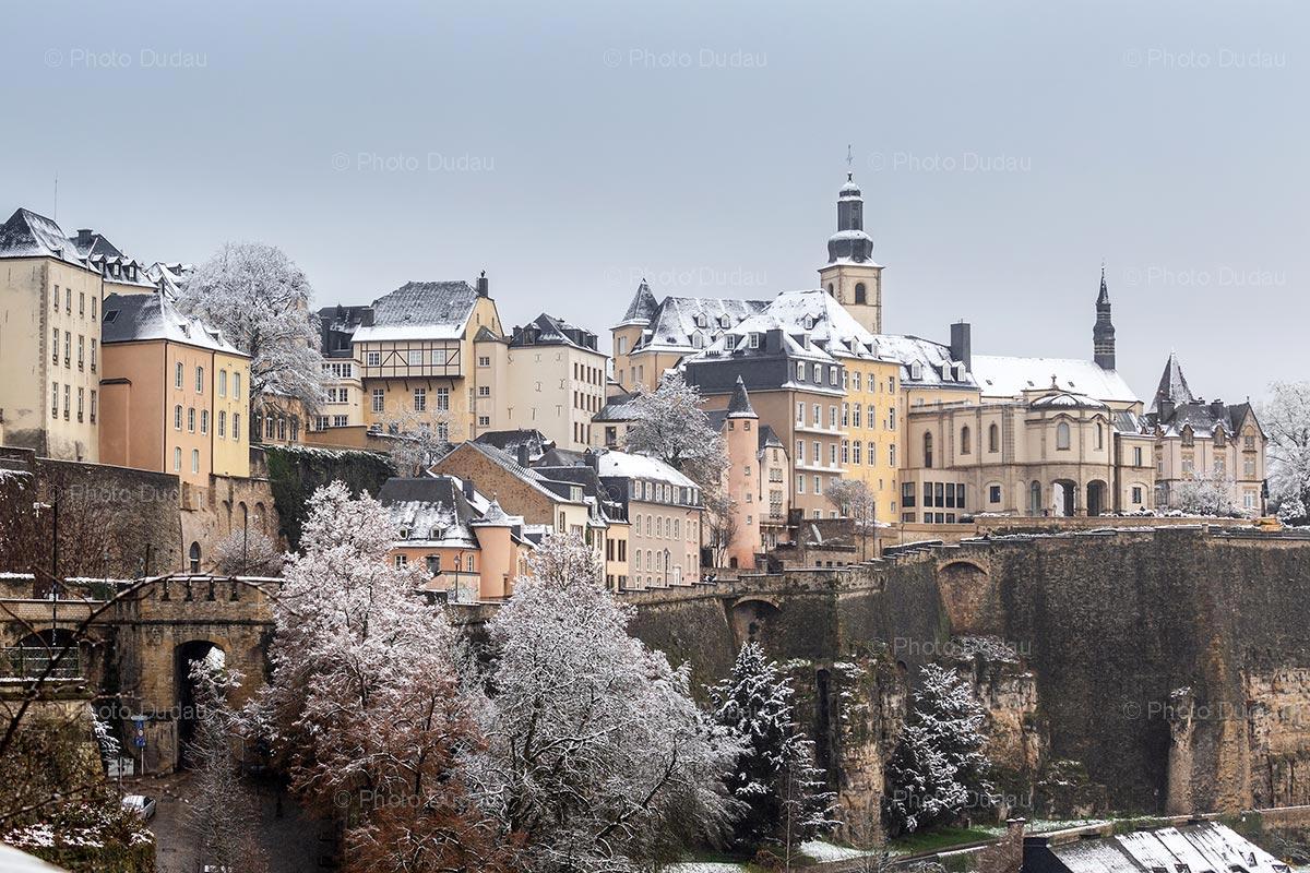 Chemin de la Corniche in Luxembourg under snow