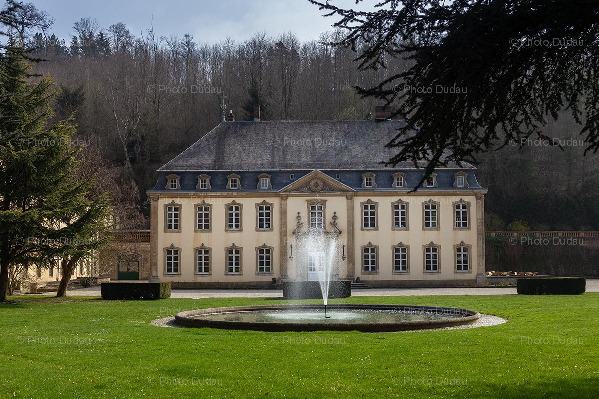 Chateau de Septfontaines in Rollingergrund