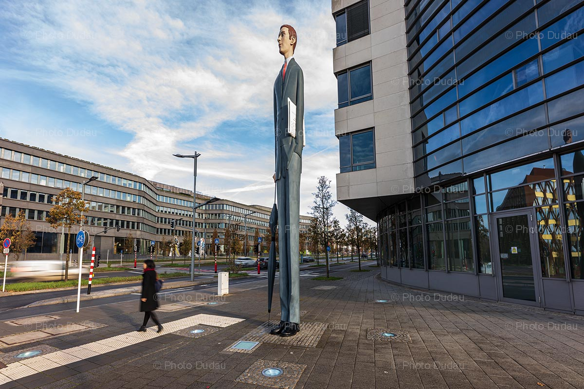The Tall Banker sculpture in Luxembourg