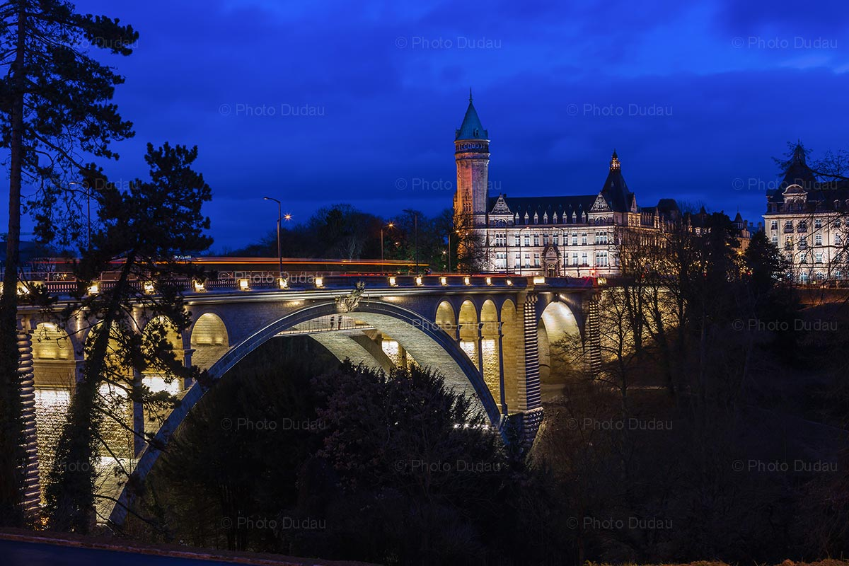 Pont Adolphe and Bank Tower at night