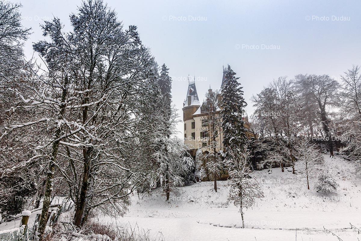 Meysembourg castle in winter
