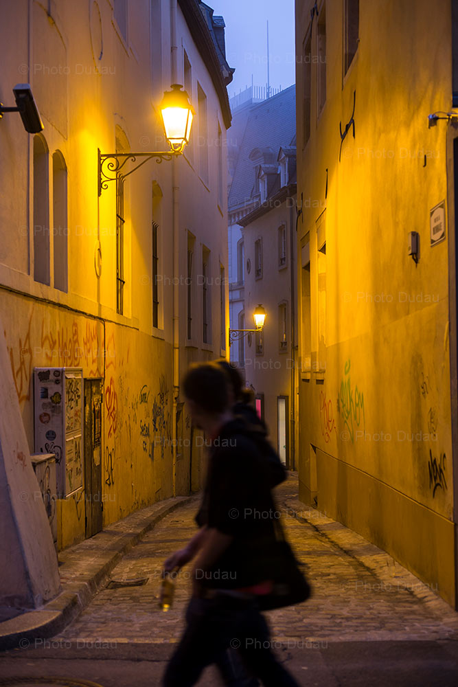 rue de la monnaie street scene in luxembourg