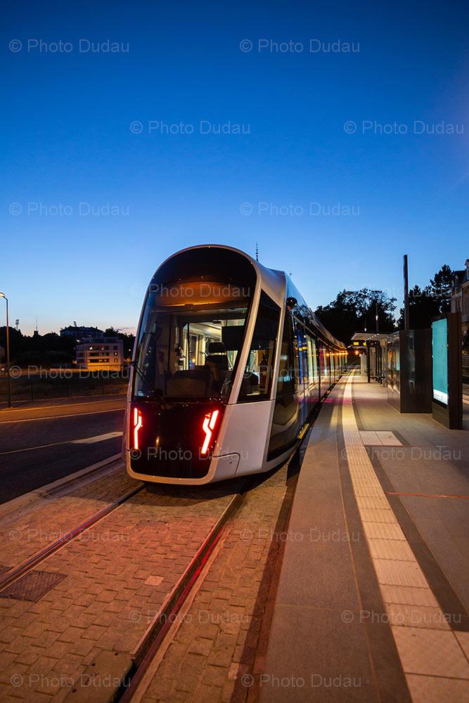 Tram Luxembourg in Place de l'Etoile