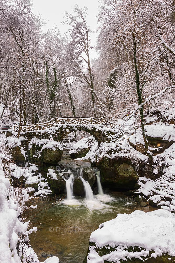 Mullerthal Cascade Schiessentümpel in winter